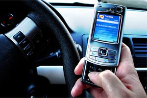 Ceaccu denuncia a Movistar, Vodafone y Orange por pactar el precio de los SMS