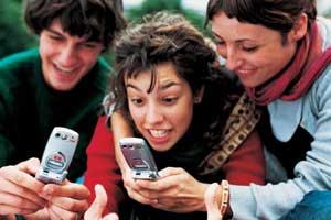 El 40 por ciento de los jóvenes son adictos al móvil