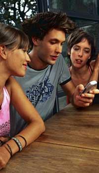 El 93% de los jóvenes dispone de teléfono móvil