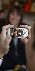 Toshiba optimiza el flash en los móviles con cámara