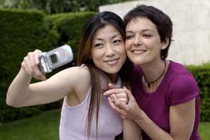 Los fabricantes de móviles lanzan líneas especiales para mujeres