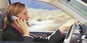 La campaña de la DGT para evitar el uso del móvil mientras se conduce se saldó con más de 4.000 multas