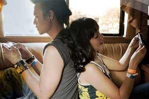 Los jóvenes españoles, cada vez más exigentes con el móvil