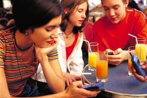 Los SMS siguen engordando la factura