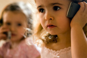 El 25% de los menores de 9 años tiene móvil