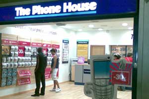 Uce denunciará la doble permanencia que impone The Phone House