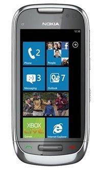 Nokia C7 con Windows Phone 7