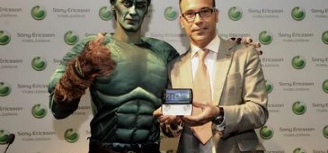 Una manifestación de héroes y villanos para dar la bienvenida al Sony Ericsson Xperia Play