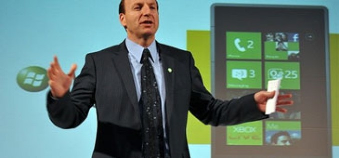 El responsable de Windows Phone arremete contra Apple y Google