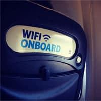 Cada vez más pasajeros quieren seguir conectados mientras vuelan.