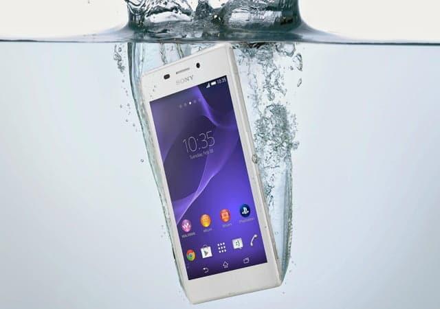 El Sony Xperia M4 Aqua, como su propio nombre indica, podrá sumergirse hasta un metro de profundidad durante 30 minutos.