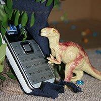 A diferencia de los dinosaurios, parece que a los feature phone aún les queda vida por delante.