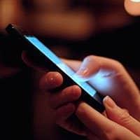 ¿Es verdaderamente dañina la luz que emiten las pantallas de los smartphones?