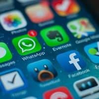 Aplicaciones como Facebook o Spotify pueden mermar nuestra tarifa de datos antes de lo deseado.