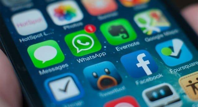 Reto: Buscar un smartphone sin WhatsApp instalado.
