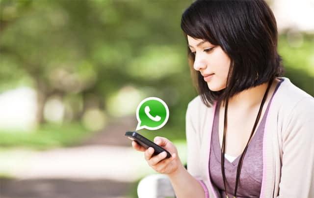 Una de las últimas 'pequeñas' mejoras de WhatsApp fue la posibilidad de marcar mensajes concretos como 'favoritos', lo que hace más fácil tenerlos localizados para futuras consultas.