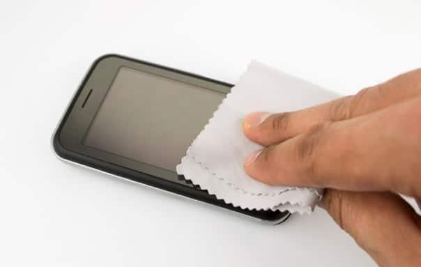 limpiar la pantalla del móvil