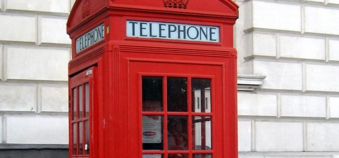 ¿Ha muerto la cabina telefónica? No, ahora es una obra de arte