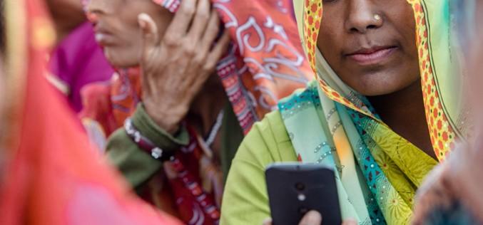 ¿Pueden los móviles corromper a las menores de edad?