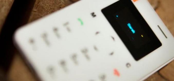 Card Phone, el complemento para no tener que cargar con el smartphone