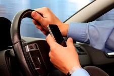 Así detectan los nuevos radares a los conductores que usan su móvil al volante