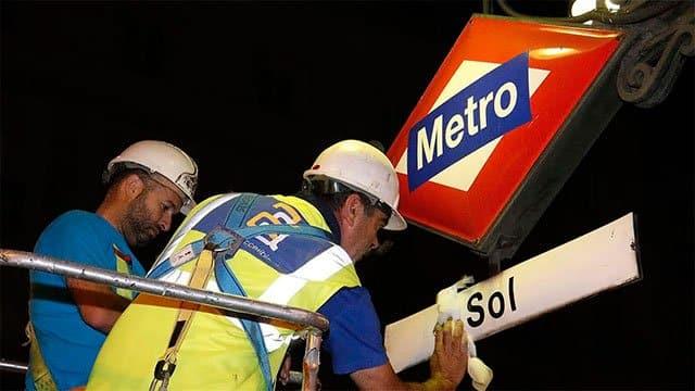 retirada de la marca Vodafone de Metro de Madrid