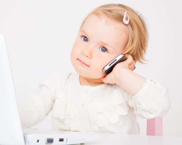 El debate sobre a qué edad conviene dar a un niño su primer teléfono vuelve a abrirse.