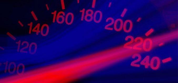 Qué velocidades de fibra óptica comercializa cada operador