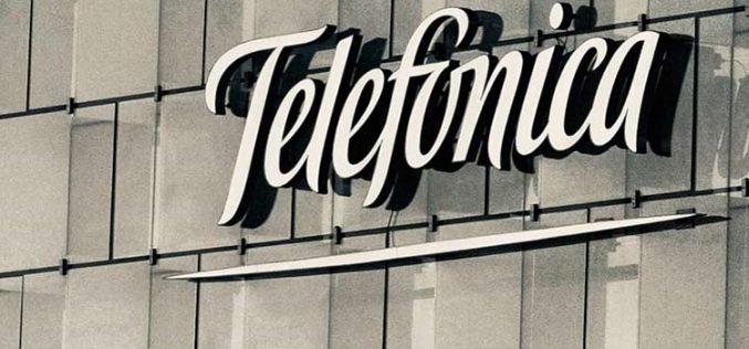 Telefónica se compromete a cubrir con fibra óptica el cien por cien de España en 2025