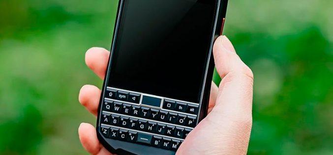 Titan Pocket, el móvil que mantiene vivo el espíritu de BlackBerry