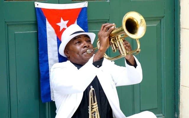 mejores tarifas para llamar barato a Cuba desde España